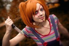 23 of the Best Costumes You Haven't Seen Before via Brit + Co. Could so go as a Chucky/ Good Guy Doll with overalls or Jem lol! Best 80s Costumes, 80s Halloween Costumes, Costumes For Women, Halloween Makeup, Halloween Ideas, Alice Halloween, Halloween 2017, Happy Halloween, Halloween Party