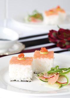 Masu Oshizushi, Pressed Salmon Trout Sushi Recipe for Party Sushi Co, Diy Sushi, Sushi Ideas, Sushi Recipes, Japanese Sushi, Fusion Food, Small Meals, Sushi Rolls, Japanese Recipes