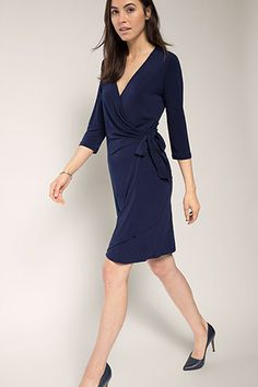 Esprit : Robe portefeuille extensible en jersey crêpe à acheter sur la Boutique…