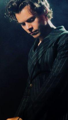 Harry on stage last night Dublin, Ireland April 16, 2018