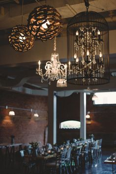 Industrial wedding. Different chandeliers combined. Industrial wedding reception #industrial #urbanwedding #urbanmood