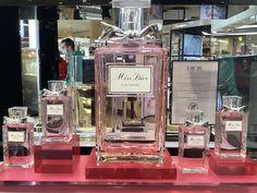Miss Dior, Girl Decor, Japanese Girl, Perfume Bottles, Paris, Painting, Japan Girl, Montmartre Paris, Painting Art