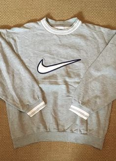 Sweat Nike Vintage 2019 Sweat Nike Vintage The post Sweat Nike Vintage 2019 . - Sweat Nike Vintage 2019 Sweat Nike Vintage The post Sweat Nike Vintage 2019 appeared first on Sweaters ideas. Source by taimaiangel - Cute Comfy Outfits, Cool Outfits, Fashion Outfits, Vintage Nike Sweatshirt, Sweatshirts Vintage, Nike Sweatshirts, Mode Vintage, Nike Outfits, Vintage Sweaters
