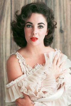 Rare colour portraint of Elizabeth Taylor.