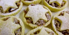 You just have to try this yummy low-FODMAP (mincemeat free) mince pie recipe.
