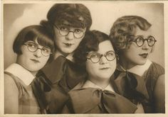 the fabulous spectacles sisters, 1920's German photo