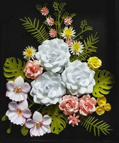 Flower Picture Frames, Flower Frame, Flower Wall, Quilling Christmas, Christmas Cards, Christmas Goodies, Paper Floral Arrangements, Pine Cone Decorations, Horseshoe Crafts