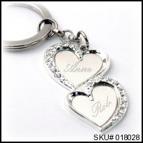 Everlasting Heart Key Chain Have the newlyweds names engraved for a special gift! Engraved Wedding Gifts, Engraved Gifts, Customized Gifts, Personalized Gifts, Wedding Sweepstakes, Beautiful Gifts, Love Heart, Key Chain, Newlyweds