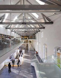 University library Utrecht / Grosfeld van der Velde Architecten