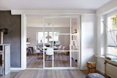 You also need these 10 ingenious sliding doors for the kitchen! - Room divider kitchen living room: kitchen by Elfa Deutschland GmbH Best Picture For furniture vict - Room Divider Doors, Divider Design, Home Salon, Interior Barn Doors, Living Room Kitchen, Great Rooms, Home And Living, Home Accessories, New Homes