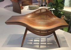 Design Miami - Poltrona de ripas de madeira vergada do coreano Se Hwa Bal