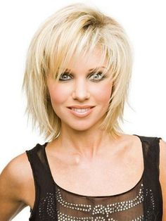 70 Best Variations of a Medium Shag Haircut for Your Distinctive Style - - Thin, Fine And Divine Those thin layered strands are fantastic: shattered, yet compact and moderately voluminous. This is a perfect medium-length haircut for active ladies. Medium Shag Haircuts, Short Shag Hairstyles, Shaggy Haircuts, Hairstyles With Bangs, Straight Hairstyles, Easy Hairstyles, Layered Hairstyle, Layered Haircuts, Bob Hairstyle