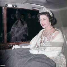 Queen Elizabeth II arrives for a State Banquet at the Dorchester Hotel in London on June (Photo by Ray Bellisario/Popperfoto/Getty Images) Hm The Queen, Her Majesty The Queen, Royal Tiaras, Royal Jewels, Crown Jewels, Elisabeth Ii, British Royal Families, Royal Brides, Queen Of England