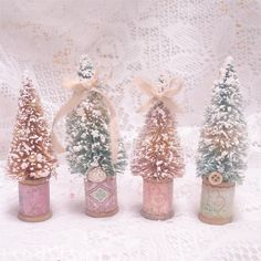 Shabby Bottle Brush Tree - Pink Teacup and Roses Vintage Christmas Crafts, Shabby Chic Christmas, Pink Christmas, Christmas Projects, All Things Christmas, Holiday Crafts, Christmas Holidays, Christmas Decorations, Christmas Ornaments
