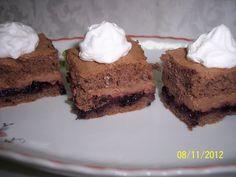 Reteta Prajitura cu crema de ciocolata si gem de afine - Prajituri