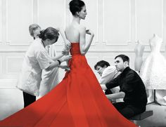 Dior and I brings the viewer inside the storied world of the Christian Dior fashion house with a privileged, behind-the-scenes look at the creation of Raf Simons' first haute couture collection as its new artistic director. Fashion Documentaries, Best Documentaries, Isabelle Huppert, Diana Vreeland, Christian Dior, Dior Couture, Couture Fashion, Anna Wintour, Raf Simons