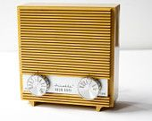 Vintage transistor radio. #pinpantone