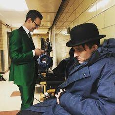 Poor Robin, like a abandoned woman. Gotham City, Jerome Gotham, Penguin And Riddler, Penguin Gotham, Le Joker Batman, Gotham Batman, Robin Pictures, Robin Taylor, Gotham Series