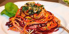 Regenbogenpasta – vegan, leicht & lowcarb. Für den Gaumen und die Augen eine Freude! Wie immer zubereitet mit dem Lurch Spiralschneider