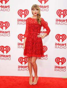 Singer Taylor Swift appears backstage during the 2012 iHeartRadio Music Festival at the MGM Grand Garden Arena on September 2012 in Las Vegas, Nevada. Prom Dresses Long With Sleeves, Dresses Short, Lace Party Dresses, Sweet 16 Dresses, Taylor Swift Hot, Taylor Swift Style, Queen, Red Lace, French Connection