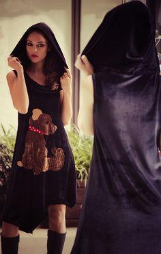 """Φόρεμα βελούδινο με κουκούλα και χειροποίητο απλικέ σχέδιο """"teddy bear""""."""
