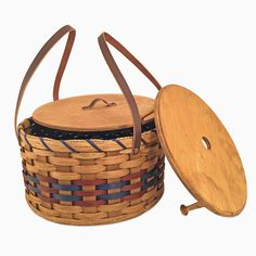 Amish Made Double Round Two Pie Carrier Basket with Lid