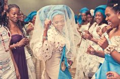 West African wedding - African bride - dancing. These colours compliment each other so well!