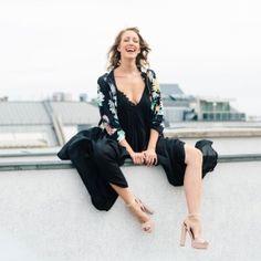 ✨ TO SHOP ✨   >> www.mithandkuss.com/shop Festivals, Top Blogs, Jumpsuit, Lifestyle, Womens Fashion, Shopping, Black, Dresses, Kissing Hand