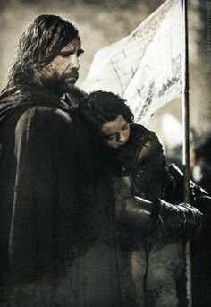 i just love how The Hound grabs the Frey banner so they aren't attacked