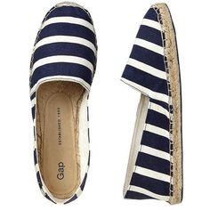 Gap Printed Espadrille Slip Ons - navy stripe (960 RUB) ❤ liked on Polyvore featuring shoes, flats, espadrilles, sapatos, scarpe, women, navy blue flats, slip-on shoes, flat pumps and navy flats