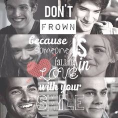 don't frown because someone is falling in love with your smile - Hledat Googlem