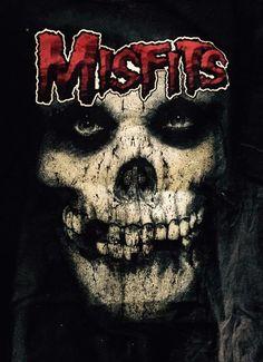 Your blood runs cold Heavy Metal Rock, Heavy Metal Music, Heavy Metal Bands, Rock Posters, Band Posters, Misfits Tattoo, Misfits Band, The Misfits, Arte Punk