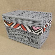 Wiklinowy kufer z płaskim wiekiem - szary z obszyciem ( LYNDBY )