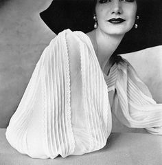 Classic Fashion And Celebrity Photography by Leading Photographer Irving Penn | Photography Office