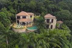 Amorosa Villa is a l