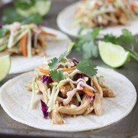 Slow Cooker Asian Tacos seriously couldn't be much easier! And that slaw on top. Best Slow Cooker, Slow Cooker Recipes, Crockpot Recipes, Chicken Recipes, Cooking Recipes, Slower Cooker, Crockpot Dishes, Slow Cooking, Soup Recipes