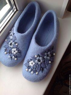 """Обувь ручной работы. Ярмарка Мастеров - ручная работа. Купить Валяные тапочки"""" Голубая сказка"""". Handmade. Голубой"""