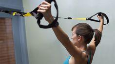 5 effektive slyngeøvelser for skuldre og bryst - Fitnessbloggen