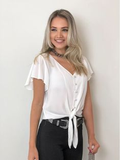 Moda Chic, Blouse Styles, Elegant Dresses, Shirt Blouses, Blouses For Women, Casual Outfits, Plus Size, Womens Fashion, How To Wear