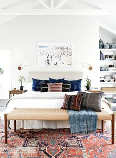 design tips vintage rug modern bedroom design advice We asked interior designers to share their biggest apartment decorating mistakes that secretly make them cringe every single time. Are you guilty?