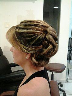 Mãe da noiva/o? Aqui está o penteado ideal.  #penteadosfesta http://www.pandora-cabeleireiros.pt/