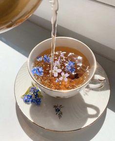 Cream Aesthetic, Classy Aesthetic, Flower Aesthetic, Aesthetic Collage, Aesthetic Food, Aesthetic Photo, Aesthetic Pictures, Kreative Desserts, Flower Tea
