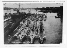 In the lead-up to World War One Britain and Germany were engaged in a naval arms race. This is the Naval Warfare of the Great War in rare pictures. Dazzle Camouflage, Rare Historical Photos, German Submarines, History Online, Army Vehicles, Rare Pictures, World War One, Royal Navy, Photo Reference