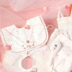 Spoggerig uitgevat vir die eerste groot dag Sewing Clothes, Crop Tops, Women, Fashion, Moda, Stitch Clothing, Fashion Styles, Fashion Illustrations, Dress Sewing