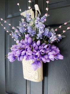 Inspiring Easter Flower Arrangements and Floral Décor Ideas Superb Purple Tulip Bouquet For Easter Door Decoration - Door Easter Flower Arrangements, Easter Flowers, Floral Arrangements, Easter Wreaths, Holiday Wreaths, Wreaths For Front Door, Door Wreaths, Summer Wreath, Spring Wreaths