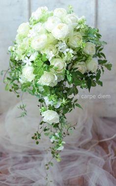 バラのキャスケードブーケ 赤坂シュビア様へ 白と緑で Cascading Wedding Bouquets, Cascade Bouquet, Flower Bouquet Wedding, Sage Green Wedding, Maid Of Honor, Flower Decorations, White Flowers, Wedding Colors, Wedding Reception
