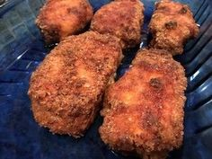 Crispy Keto Parmesan Crusted Pork Chops in the Air Fryer I just made the best Crispy Keto Parmesan Crusted Pork Chops in the Air Fryer ! I've made pork chops many times in the oven but the keto coating usually soaks up the greasy juices and it's not real Air Fryer Oven Recipes, Air Fry Recipes, Cooking Recipes, Keto Recipes, Healthy Recipes, Power Air Fryer Recipes, Ninja Recipes, Snacks Recipes, Keto Foods