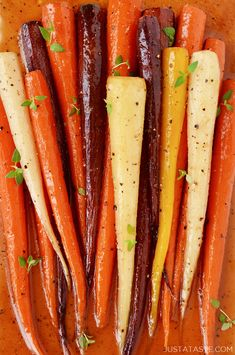 All you need is four simple ingredients to add a pop of color to any meal with this easy recipe for honey roasted carrots garnished with your favorite fresh herb. Zucchini Bread Recipes, Carrot Recipes, Honey Recipes, Vegetable Recipes, Healthy Recipes, Healthy Treats, Healthy Foods, Healthy Eating, Candied Carrots