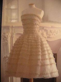 Vintage Dior, Mode Vintage, Vintage Fashion, Robes Christian Dior, Estilo Retro, Dior Couture, Beautiful Gowns, Belle Photo, Indian Outfits