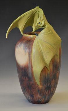 Amphora%20Bat%20vase%20Richard%20Freiwald (large view)